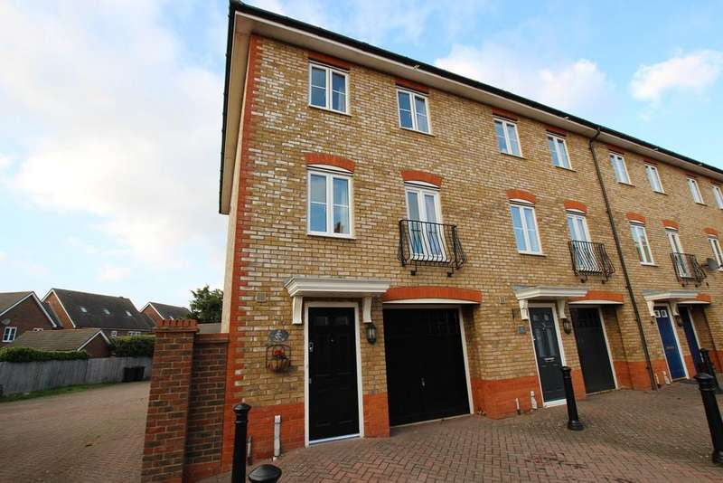4 Bedrooms Town House for sale in Harrier Mill, Henlow, SG16