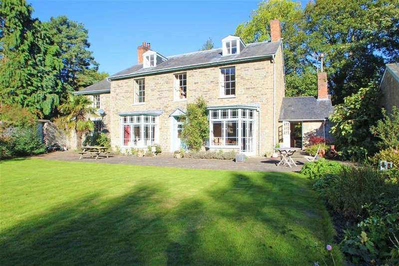 5 Bedrooms Detached House for sale in NEW RADNOR, Nr Presteigne, Powys