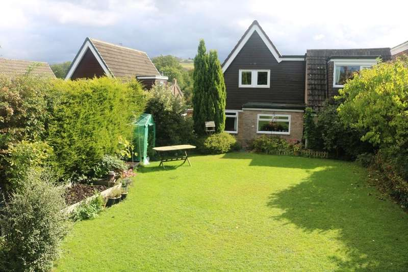 5 Bedrooms Detached House for sale in Farndale Drive, Guisborough, TS14