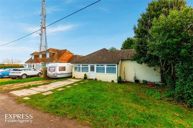 4 Bedrooms Detached Bungalow for sale in The Highway, Newhaven, East Sussex