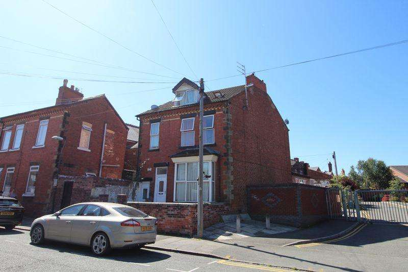1 Bedroom Detached House for sale in Ruthin Road, Wrexham