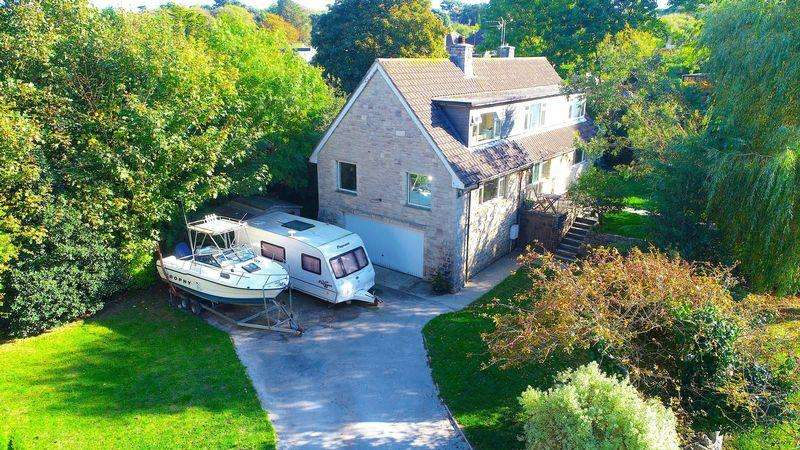 4 Bedrooms Detached House for sale in Southcliffe Road, Swanage