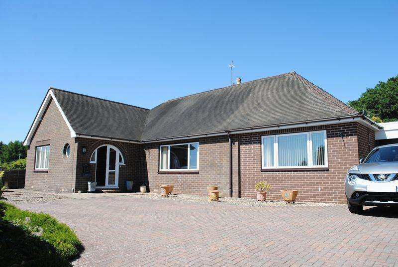 4 Bedrooms Detached Bungalow for sale in Cinderford, Gloucestershire