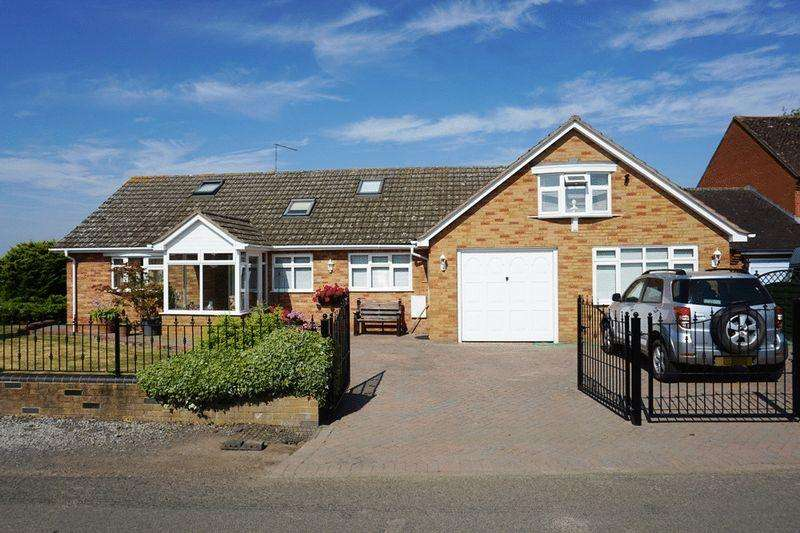 4 Bedrooms Detached House for sale in Court Lea, Holly Green, Upton Upon Severn.