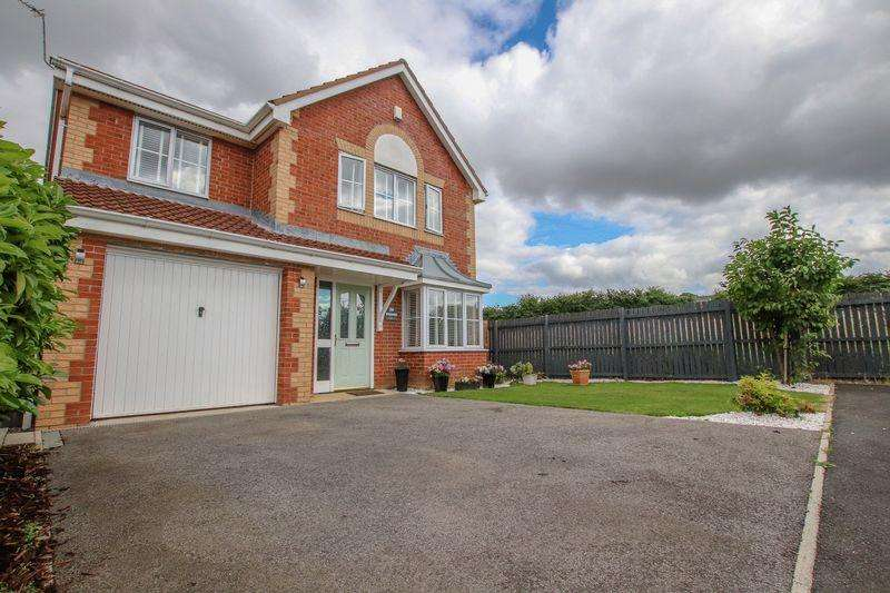 4 Bedrooms Detached House for sale in Whernside, Skelton in Cleveland