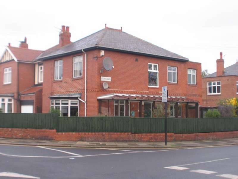 4 Bedrooms Detached House for sale in Southlands, High Heaton, Newcastel upon Tyne NE7