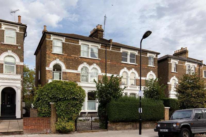 9 Bedrooms Town House for sale in DEVELOPMENT OPPORTUNITY OFFERS EXCESS OF 3.1M, QUEENS DRIVE, LONDON N4