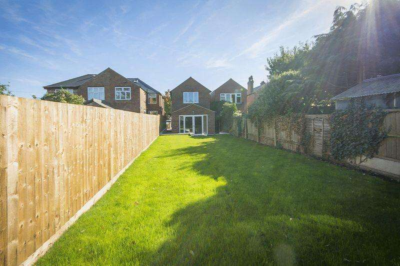 4 Bedrooms Detached House for sale in Wade Avenue, Littleover