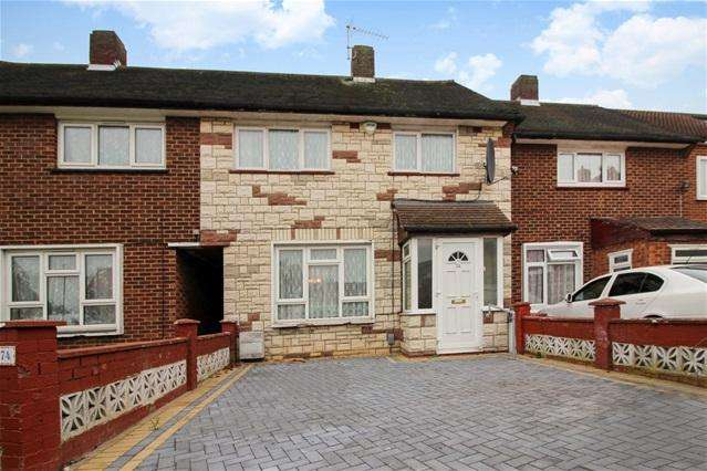 3 Bedrooms Terraced House for sale in Weir Hall Avenue, Edmonton