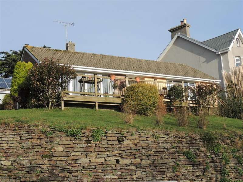 2 Bedrooms Detached Bungalow for sale in St. Benedicts Place, Tywardreath, Par