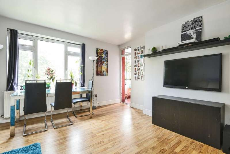 3 Bedrooms Flat for sale in East Dulwich Road Peckham SE15