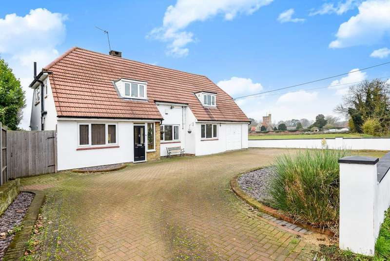 4 Bedrooms Detached House for sale in Stanwell Road, Horton, SL3