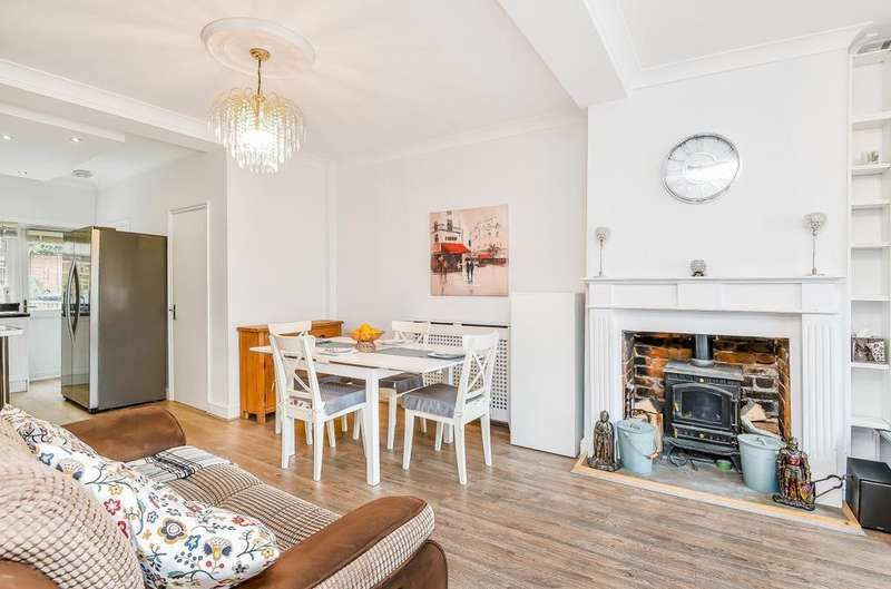 3 Bedrooms Terraced House for sale in 36 George Street, Kingsclere, Newbury, Hampshire, RG20