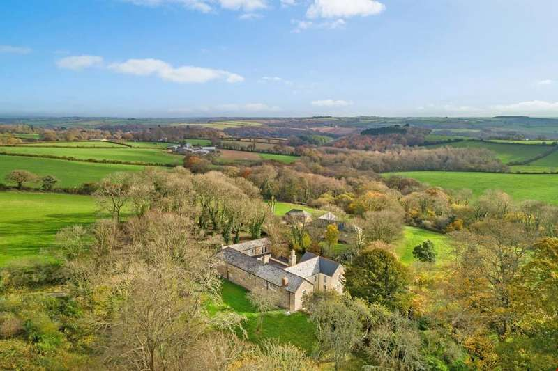 5 Bedrooms Detached House for sale in St Clement, Truro, Cornwall, TR1