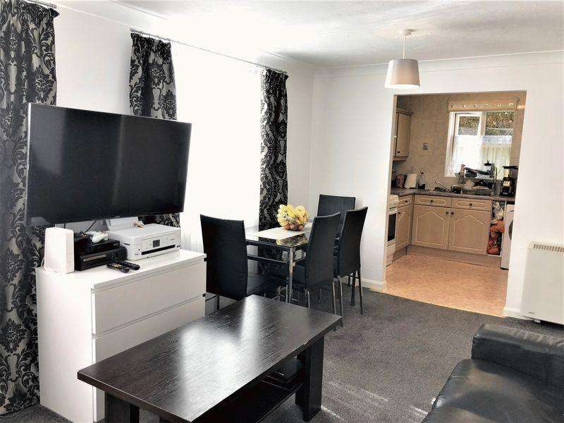 2 Bedrooms Apartment Flat for sale in ** Ideal First Time Buyers / Buy To Let **