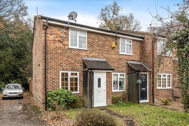 2 Bedrooms End Of Terrace House for sale in Farcrosse Close, Sandhurst