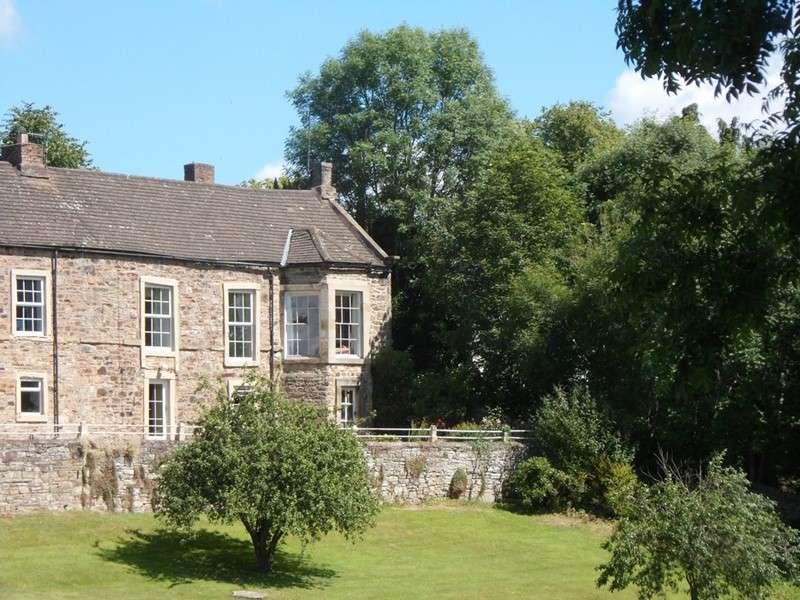 5 Bedrooms Property for sale in Edens Lawn, Haltwhistle, Haltwhistle, Northumberland, NE49 0BN