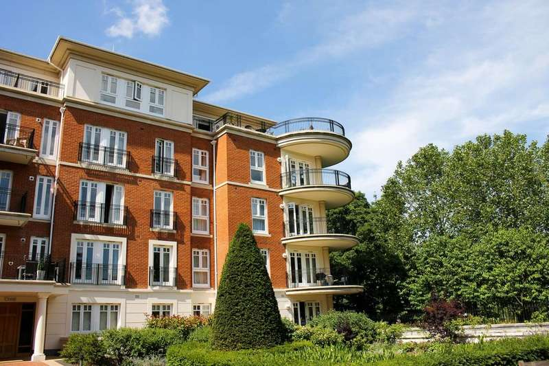 4 Bedrooms Apartment Flat for sale in Ashe House, Clevedon Road, Twickenham, TW1