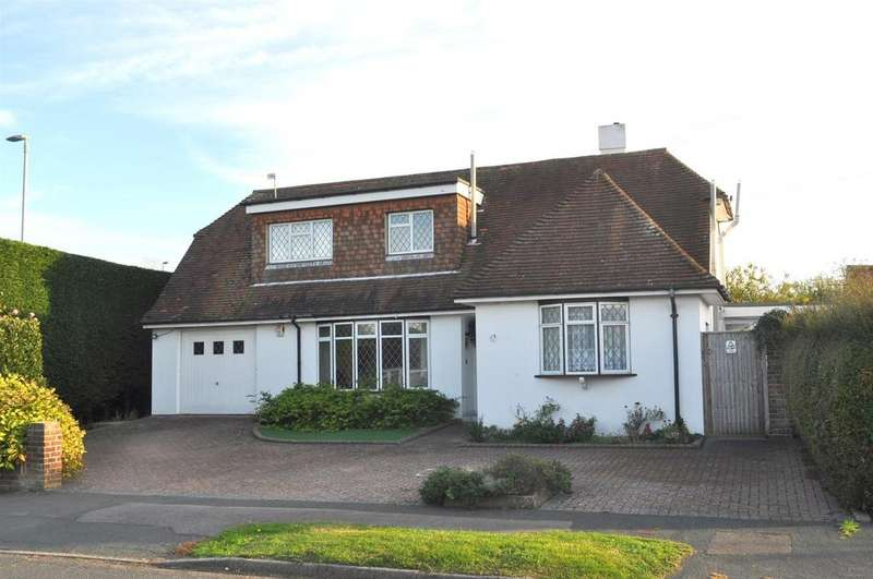 4 Bedrooms Detached House for sale in Combe Rise, Eastbourne