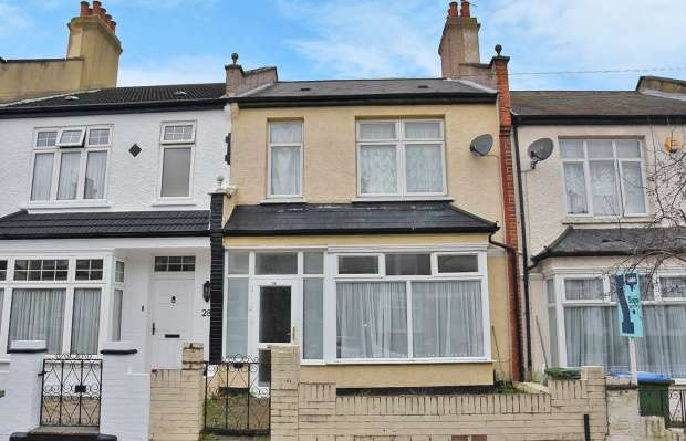 3 Bedrooms Terraced House for sale in Howarth Road, London, Greater London, SE2 0UN