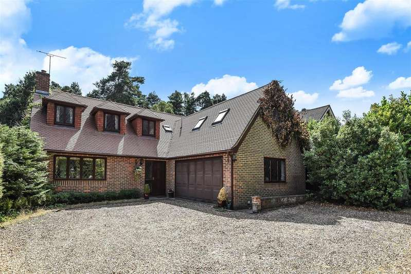 3 Bedrooms Detached House for sale in Nine Mile Ride, Finchampstead, Berkshire RG40 3NJ