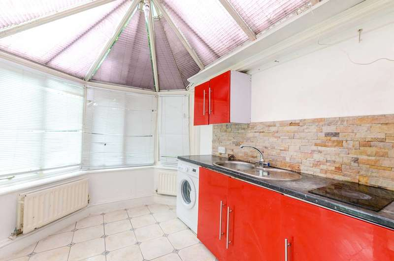 3 Bedrooms End Of Terrace House for sale in Lordship Lane, East Dulwich, SE22