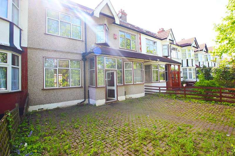 6 Bedrooms Terraced House for sale in Woodford Avenue, Ilford, Essex, IG4