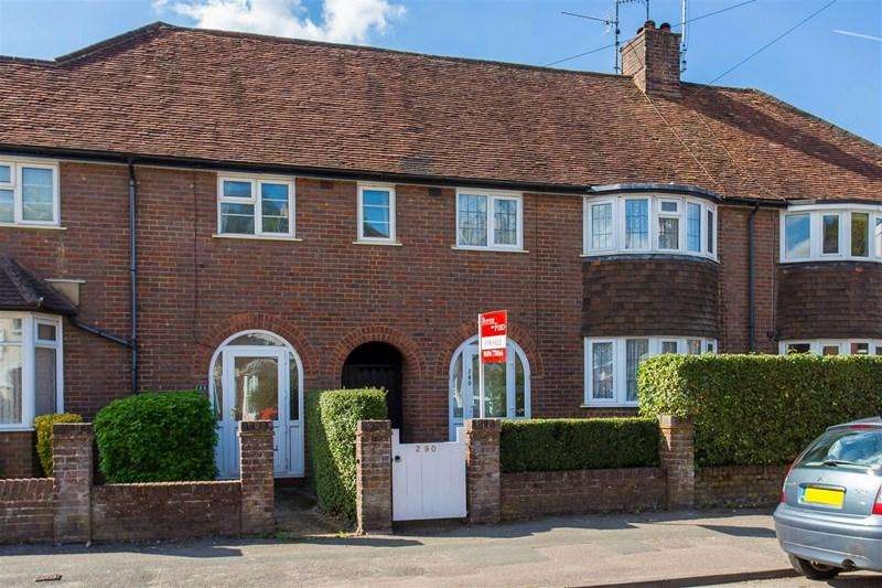3 Bedrooms Terraced House for sale in Bellingdon Road, Chesham