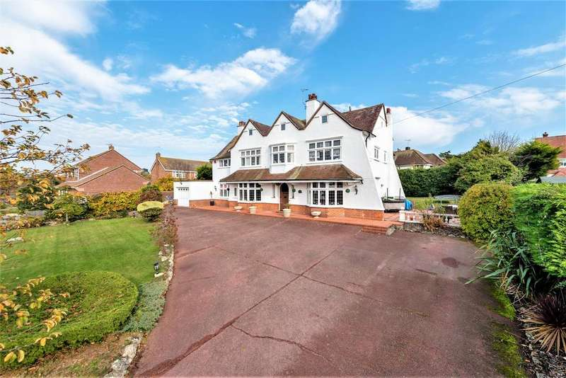 5 Bedrooms Detached House for sale in Second Avenue, Frinton-On-Sea