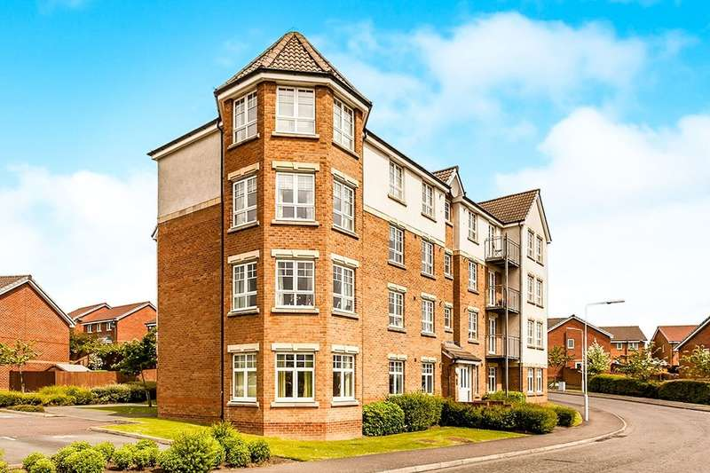 3 Bedrooms Flat for sale in Hutchison Way, Kirkcaldy, KY2