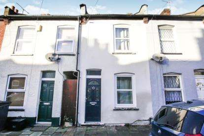 2 Bedrooms Terraced House for sale in North Street, Luton, Bedfordshire