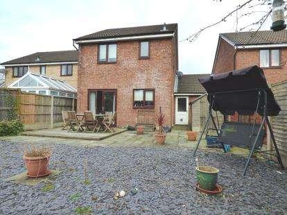 3 Bedrooms Detached House for sale in West Meadow, Lea, Preston, Lancashire, PR2