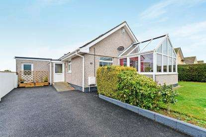 4 Bedrooms Bungalow for sale in Newquay, Cornwall, United Kingdom