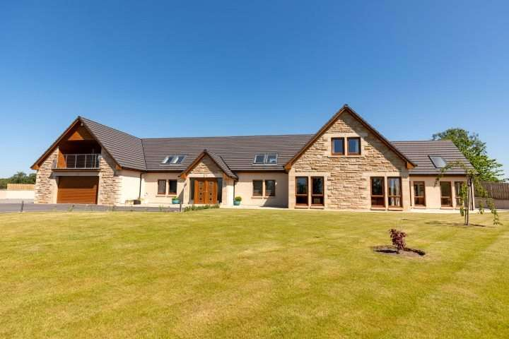 6 Bedrooms Detached House for sale in Arden House, Hallowood Road, Elgin, Moray, IV30