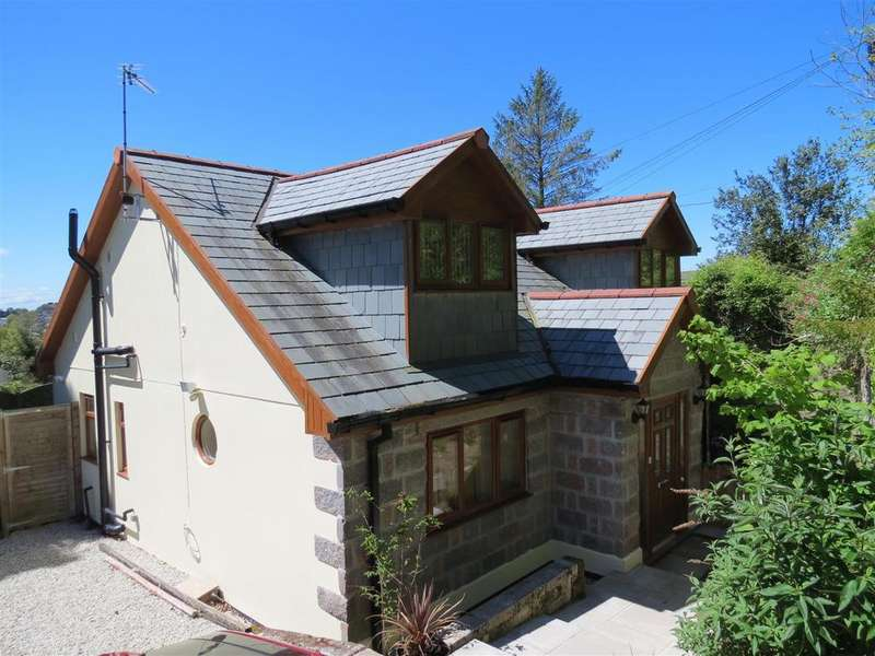 3 Bedrooms Detached House for sale in Higher Tremena, St. Austell