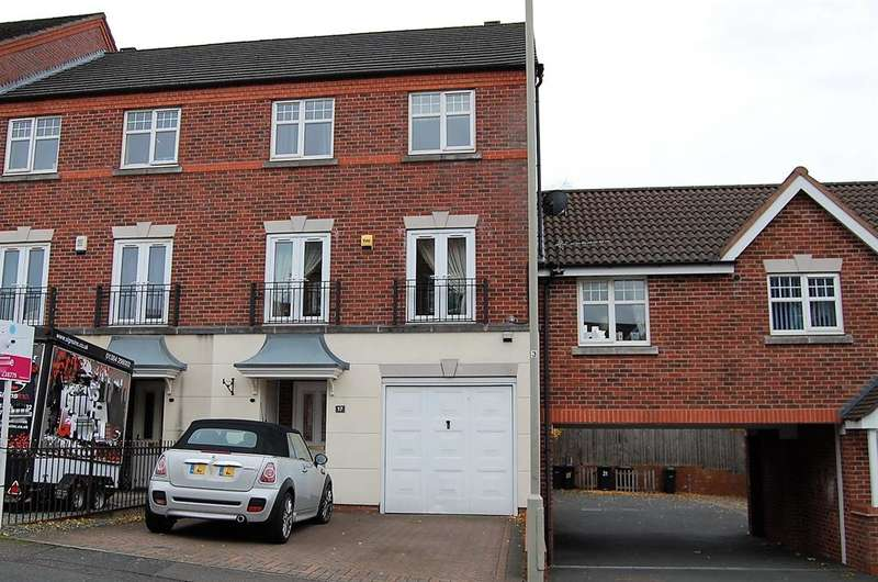 4 Bedrooms Town House for sale in Manderston Close, Dudley, DY1 2TZ