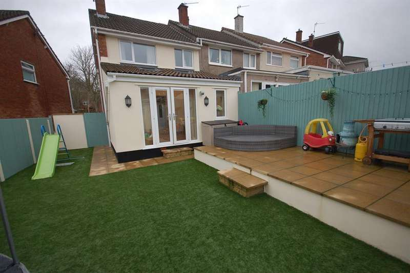 3 Bedrooms End Of Terrace House for sale in Battens Lane, St George, Bristol, BS5 8TG