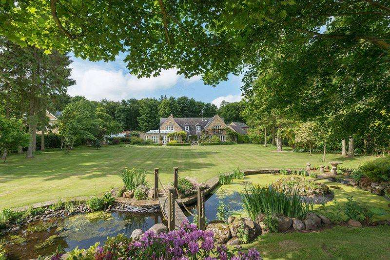 6 Bedrooms Detached House for sale in Walled Garden, Matfen