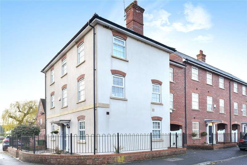 4 Bedrooms Town House for sale in Coaters Lane, Wooburn Green, High Wycombe, Buckinghamshire, HP10