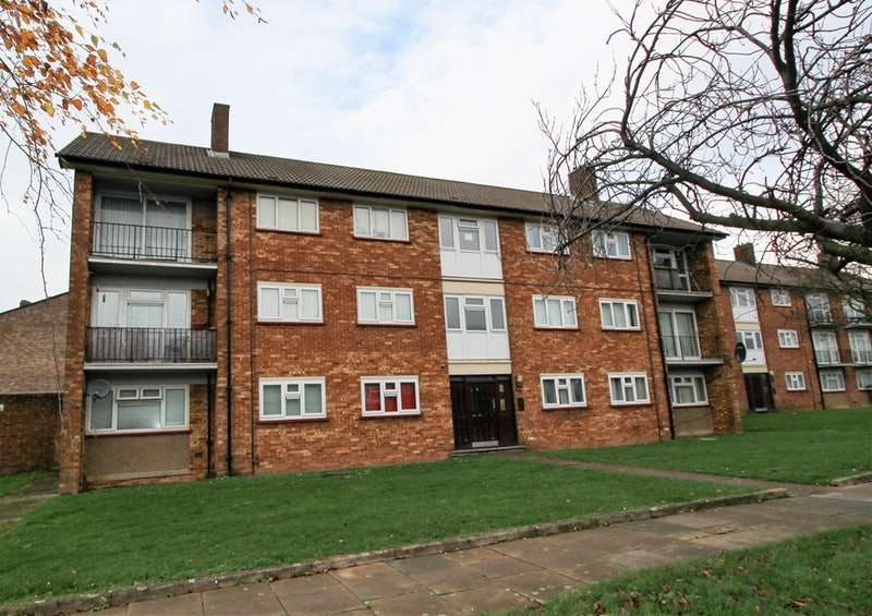 2 Bedrooms Flat for sale in Whipperley Ring, Luton, Bedfordshire, LU1
