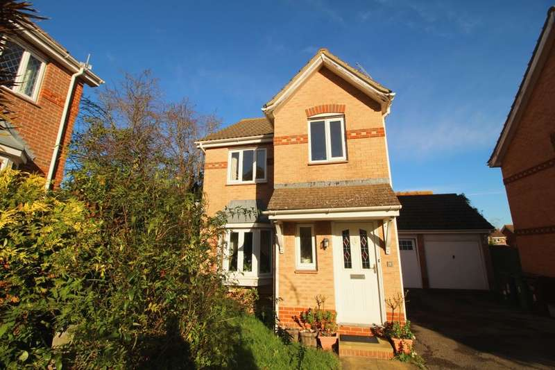 3 Bedrooms Detached House for sale in Middleham Way, Eastbourne, BN23