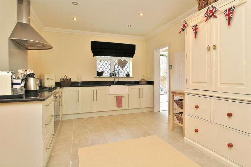 6 Bedrooms Detached House for sale in Brownleaf Road