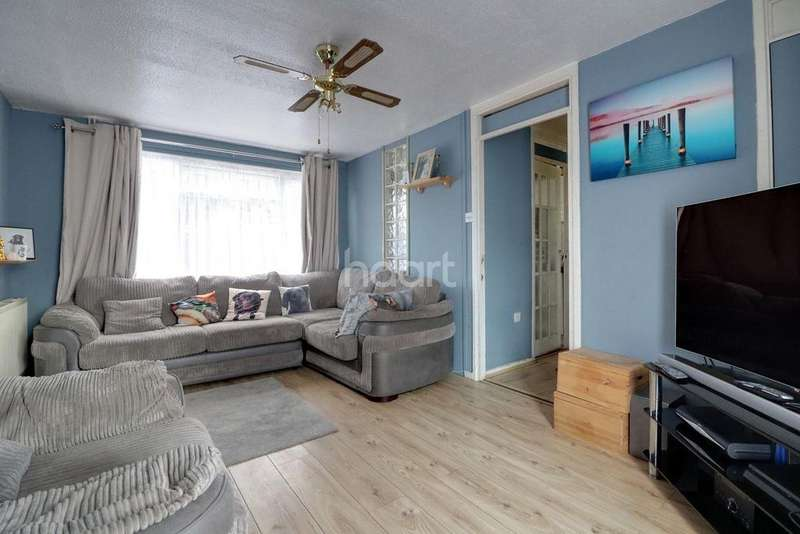 1 Bedroom Maisonette Flat for sale in Pendlebury, Hanworth