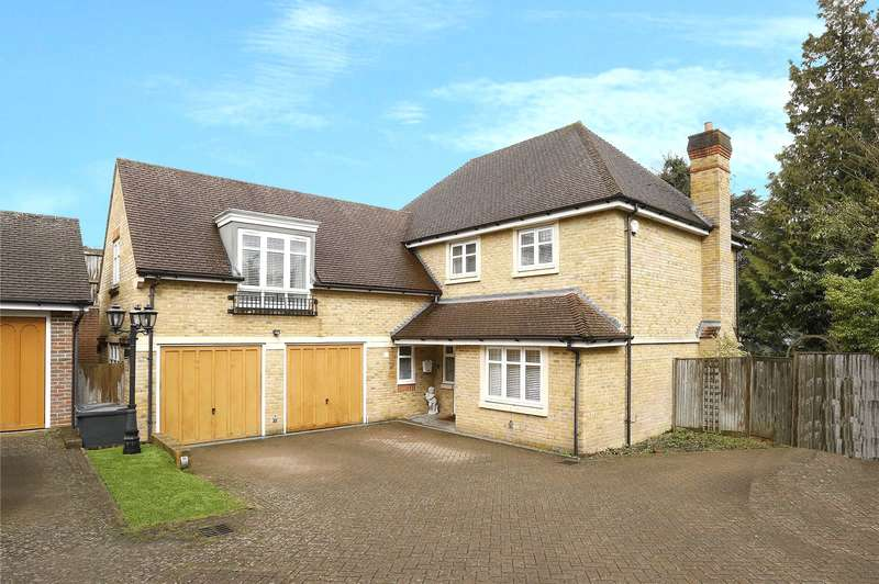 5 Bedrooms Detached House for sale in Starrock Road, Coulsdon