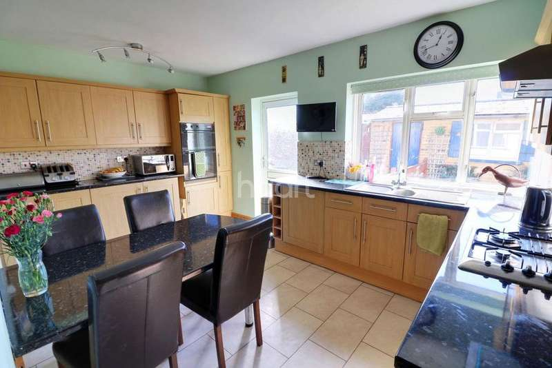 4 Bedrooms Detached House for sale in Ashford