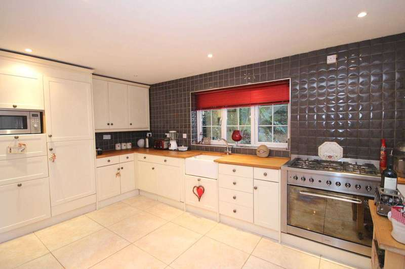 3 Bedrooms Semi Detached House for sale in Swaledale, Bracknell
