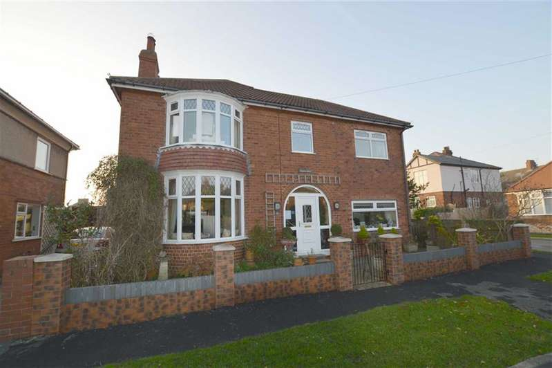 4 Bedrooms Detached House for sale in Hall Road, Hornsea, East Yorkshire