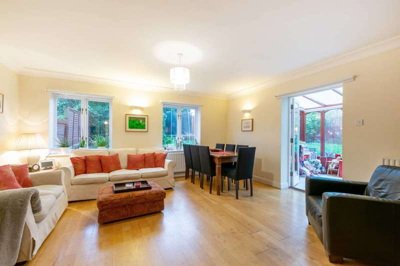 4 Bedrooms Mews House for sale in Wellington Mews, Streatham Hill, SW16