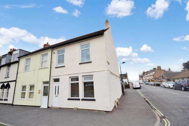 2 Bedrooms Apartment Flat for sale in Langer Road, Felixstowe, Suffolk