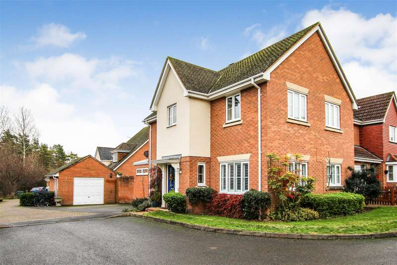 4 Bedrooms Detached House for sale in DETACHED FAMILY HOME IN CASTLEMEAD DEVELOPMENT